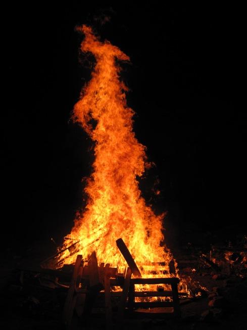 Lag_BaOmer_bonfire