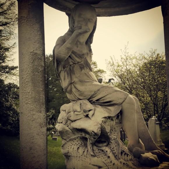 Sea Grave Statue